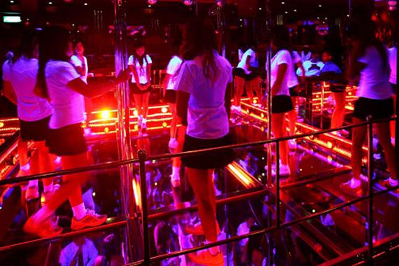 bangkok-tajlandia-najlepsze-Go-Go-Bary-w-Bangkoku-Baccara